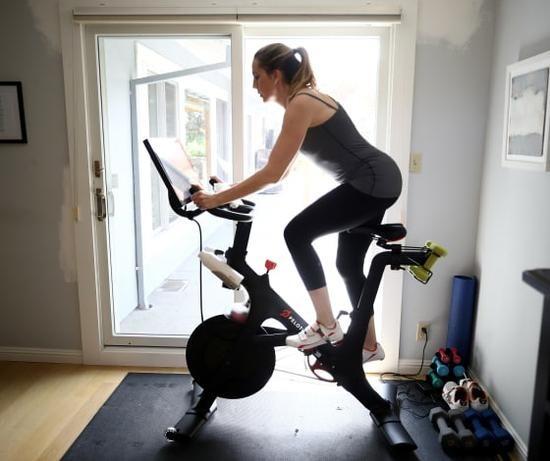 疫情居家隔离健身器材销售火爆 Peloton第四财季营收激增172%