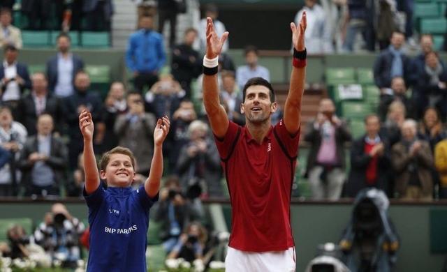 网球世界第一15分钟宣告退赛,耍大牌仍是烟雾弹?