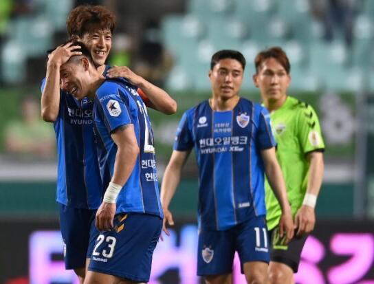 4-2逆转!亚冠冠军终于爆发:6轮不败登顶,成功复仇+创历史纪录