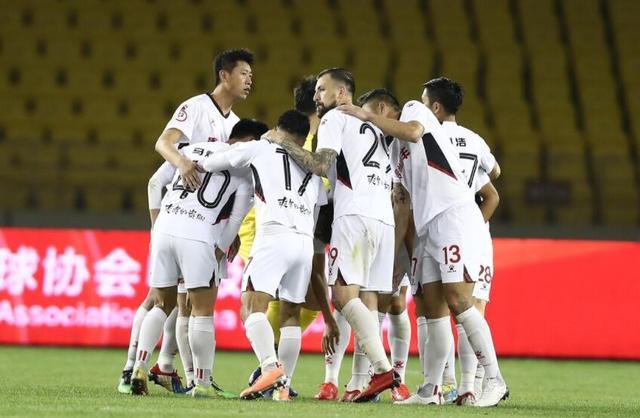 中甲0-2,从3连胜到3连败!贵州队26分钟大崩盘:2张红牌+连丢2球