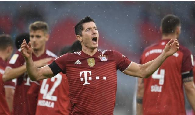 降维打击!拜仁3-0巴萨,欧冠客场19场不败,向第7座冠军前进
