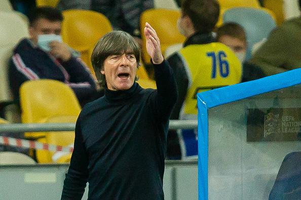 勒夫下课冲上德国热搜 教练组2018年就该滚蛋了