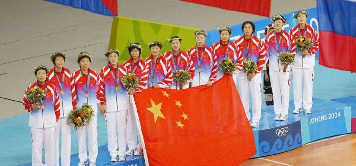 霸气回眸!雅典奥运中国女排惊天大逆转
