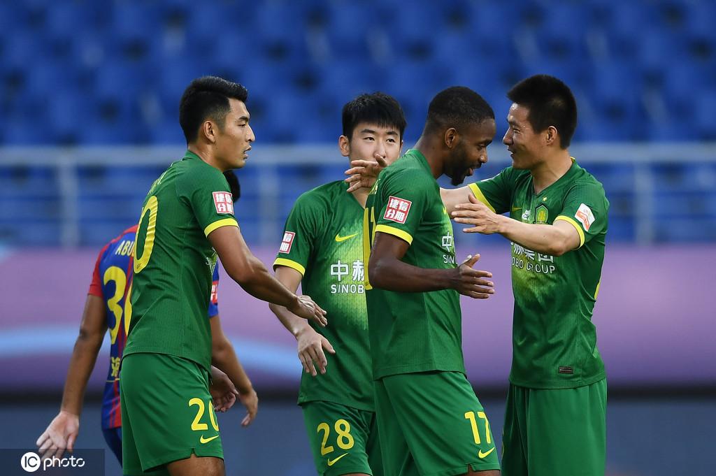 亚冠东亚区4个小组各进行了2-3场竞赛,总计11场小组赛完赛