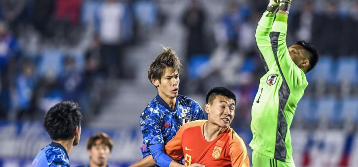 东亚杯-国足1-2日本 董学升头槌难救主