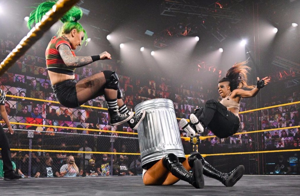 NXT第619期:NXT冠军遇袭 女双冠军街头战