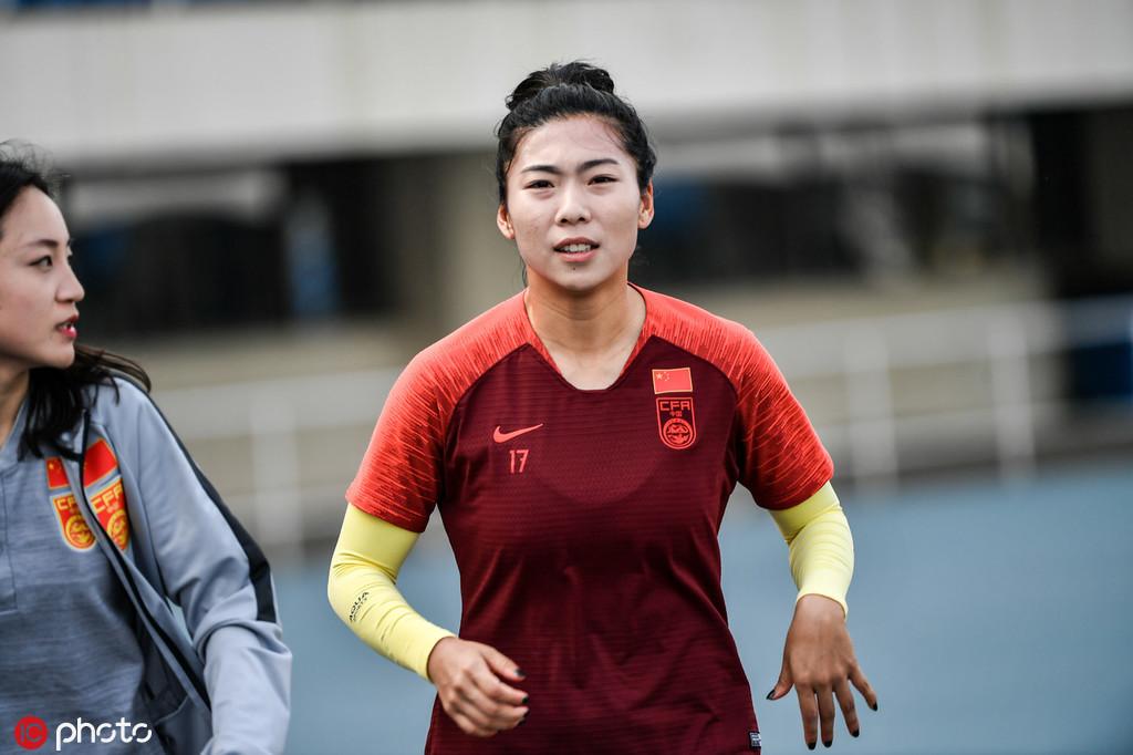小学毕业当北漂 京奥进球小将未满三十已成女足元老