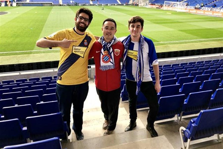 上港球迷分享西班牙人主场观赛故事:中西球迷