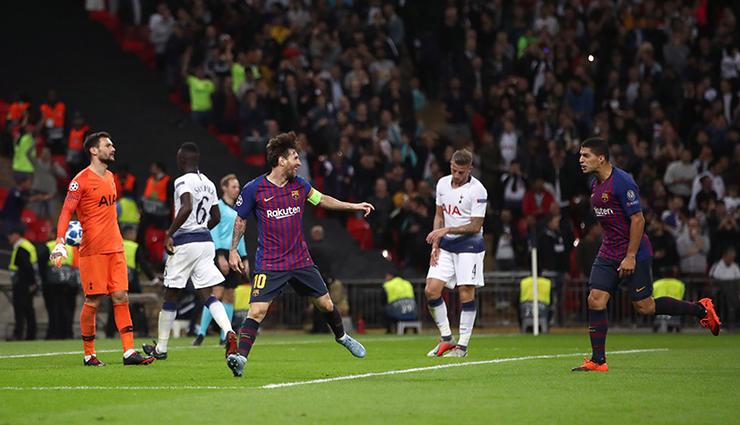 梅西在欧冠小组赛对阵热刺打进2球图片