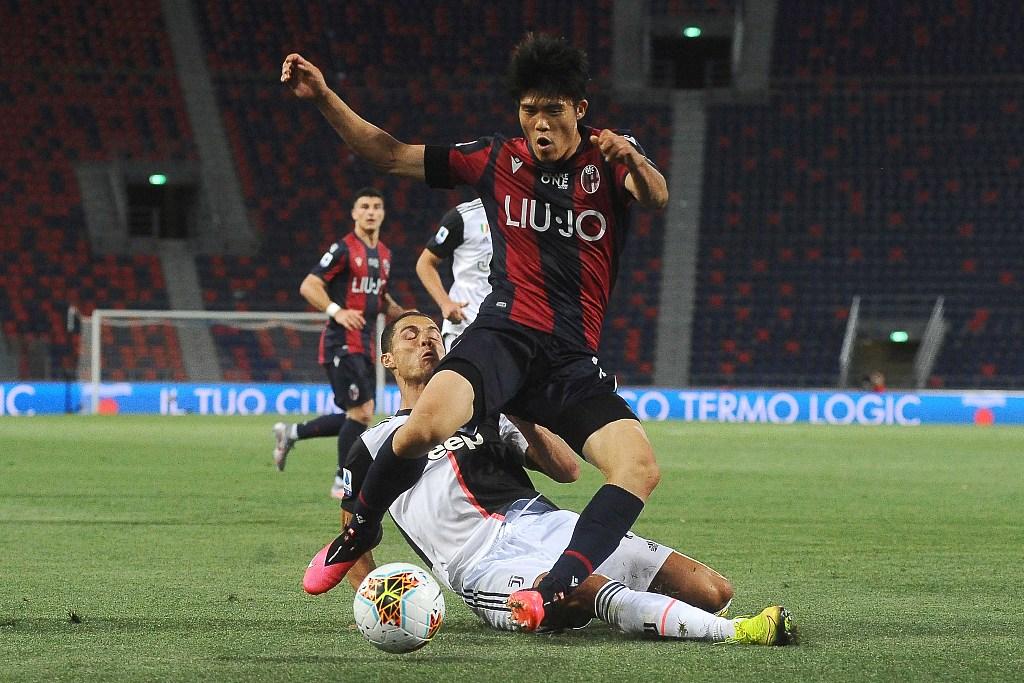 領頭羊尤文圖斯做客2-0擊敗博洛尼亞,取得了聯賽重啟后的首場勝利