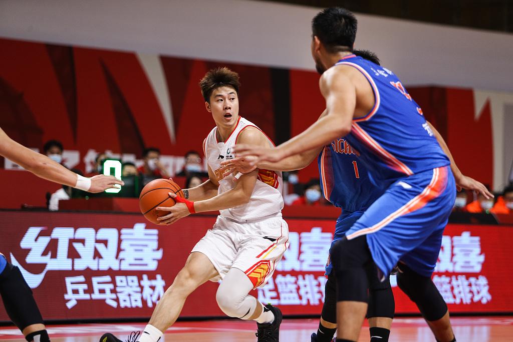 砍下24加7带队打败四川 赛季的杨林祎能否成为深圳新核