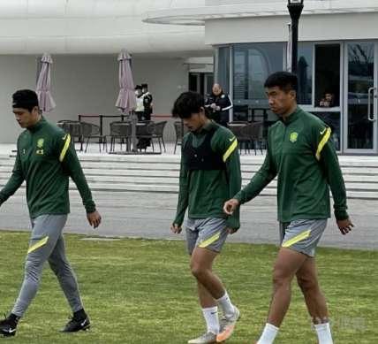 惊喜!亚泰球员柏杨在国安队内试训 能否加盟还需教练组考察