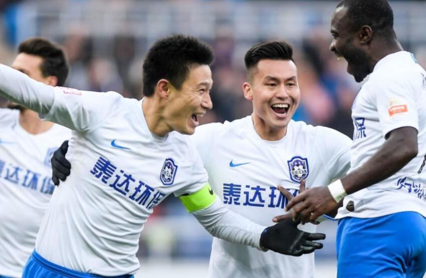 中超-曹阳生涯谢幕战点射破门 泰达主场2-0胜重庆斯威