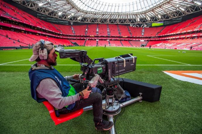 ผลการค้นหารูปภาพสำหรับ lives in stadium camera